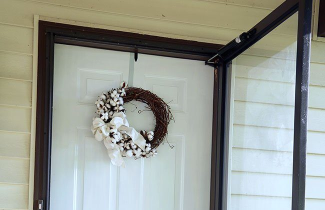 Summer Cotton Wreath {12 Months of Wreaths}