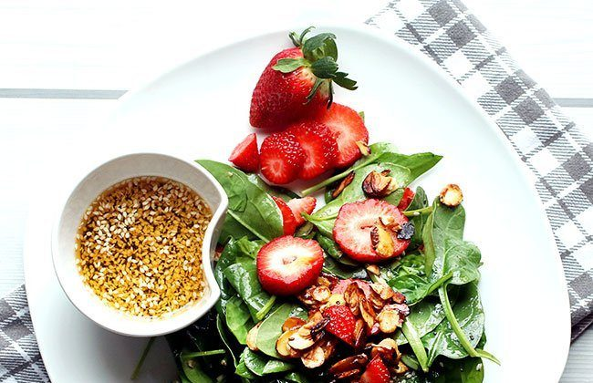 Strawberry Spinach Salad with Poppyseed Dressing {My First Short Form Video!!}