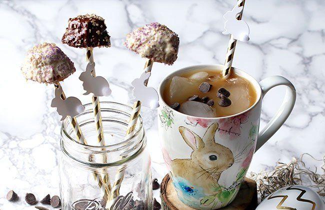 Spring Cookie Snack Pops {Easter Desserts}
