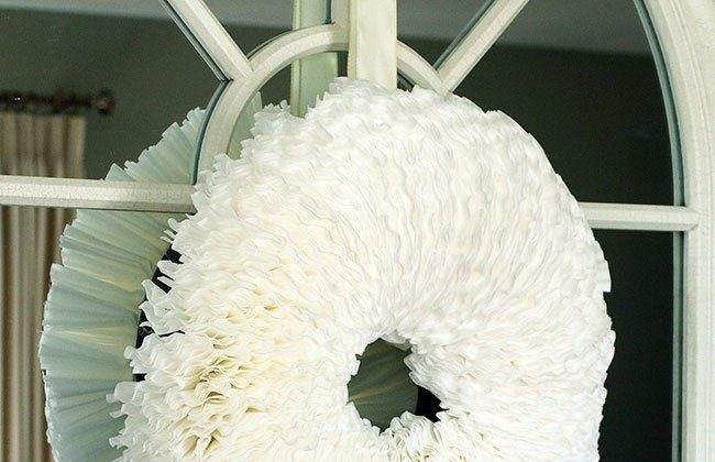 Simple Coffee Filter Wreath DIY {12 Months of Wreaths}