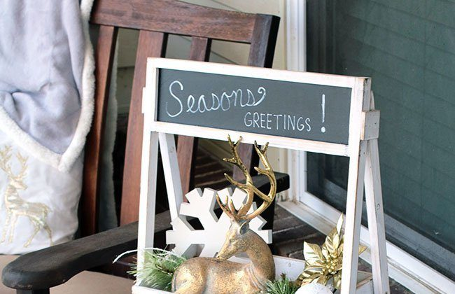 Christmas Front Porch Decor {Holiday Home Tour Link Party}