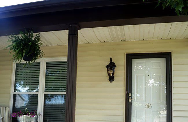 Front Porch Makeover: Outdoor Lighting Refresh {Curb Appeal Blog Hop}