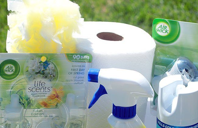 Spring Clean those Windows & Cleaning Basket Idea! #SpringIntoClean