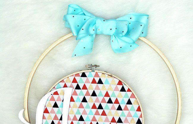 Simple Spring Hoop Wreath {Spring Holiday Craftacular Blog Hop}