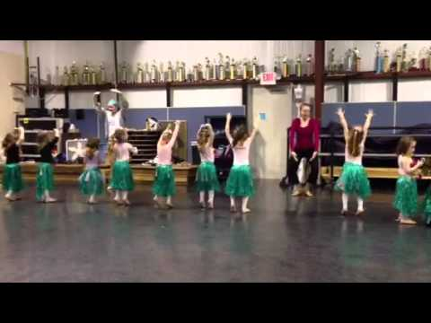 Autumn's 2nd Dance Show with an Adorable Video