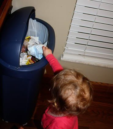Wordless Wednesday – Someone is throwing away their own diaper! hee!