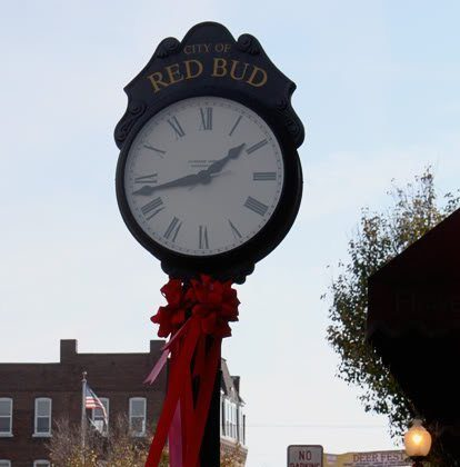 Holiday Happenings in Red Bud, Illinois