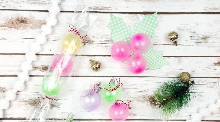 3 Easy Holiday Crafts to Make with Oonies